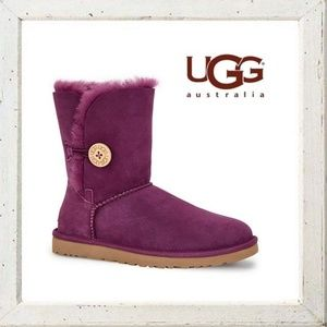 NIB UGG Bailey Button Boots, Size 7